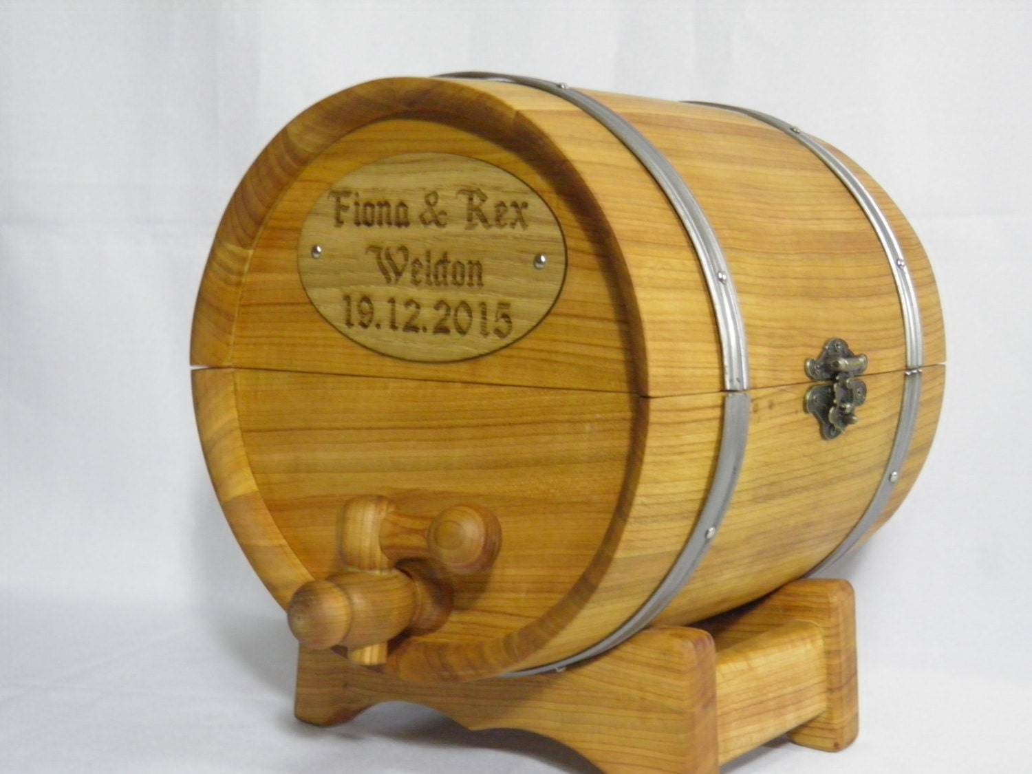 Cork, Paper Funnel, Barrel Wax, and Instruction Card with link to our Personalized Wedding Barrel Card Holder. by THOUSAND OAKS BARREL. $ $ FREE Shipping on eligible orders. 5 out of 5 stars 1. Product Features Personalized Wedding Barrel Card Holder.