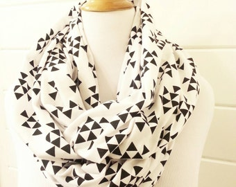 Black and white triangle geometric infinity scarf - Choose Size
