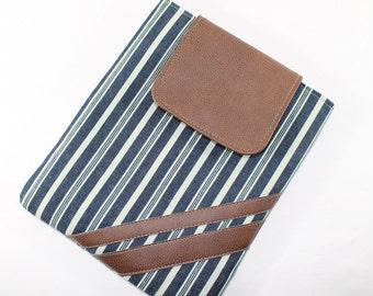 CLEARANCE / iPad Case iPad 2 3 4 Padded cover Sleeve Stripe Padded