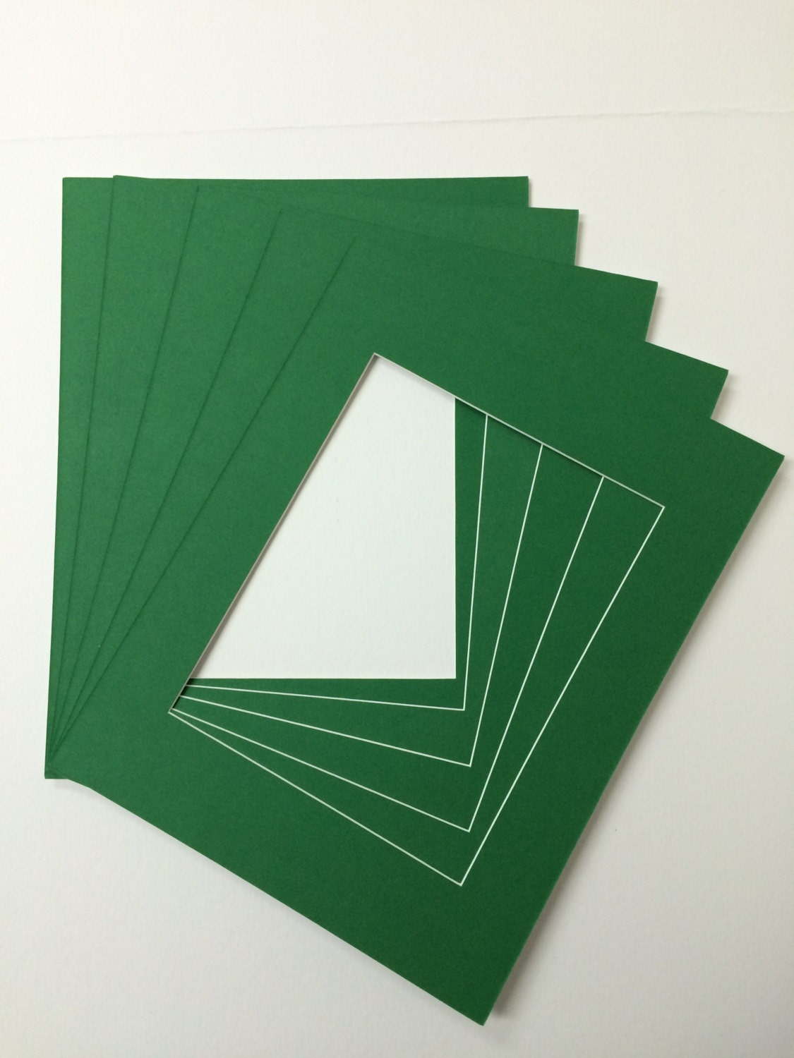 Package Of 10 11x14 Irish Green Mats With White Core Bevel