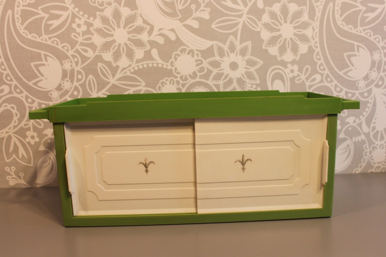 Vintage Green Plastic Wall Shelf With Ivory And Golden Fleur