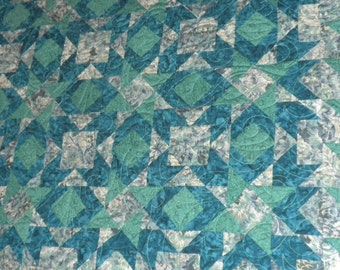 Queen Quilt in Blue, Gray and Green