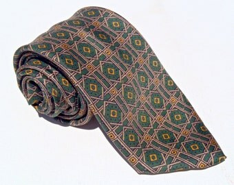Vintage 1960s Skinny Green and Cream Silk Tie from Wallachs of Fifth Avenue