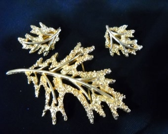 Vintage Gold coloured Leaf Pin and Earrings