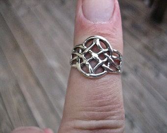Beautiful Vintage 925 Sterling Silver Celtic Knot Ring