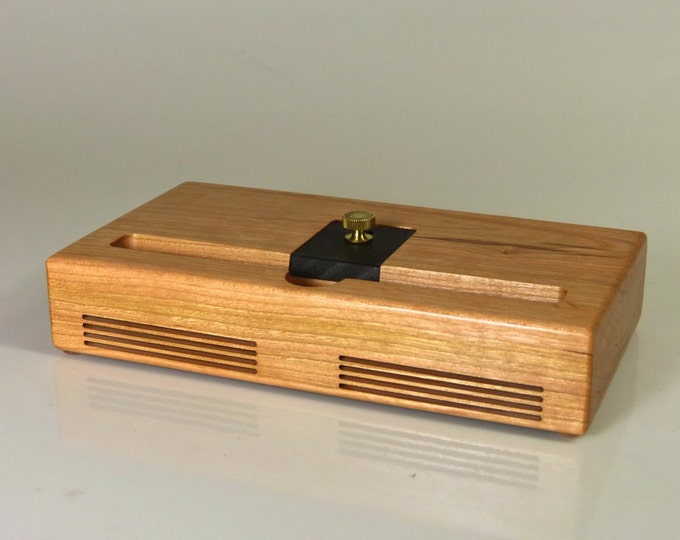 iPad mini Docking Station in CHERRY  –  CONCERT model - Amplifies the Sound - Fits Apple SmartCase