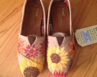 Sunflower Tom shoes-handpainted burlap