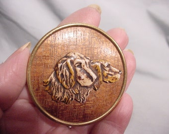 Vintage Pin Charming Pair of Dogs Wood-grain Look Hunting Dogs Retrievers