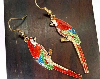 A enamel macaw dangle earrings, animal earrings,  a dangle earrings, bird earring, parrot earrings, woodland jewelry, woodland earrings.