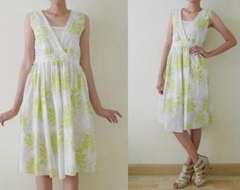 VTG lime green and white midi dress,sleeveless,cotton day dress,summer,spring, crochet at neckline and waist, leaf printed, deep v-neck, S-M