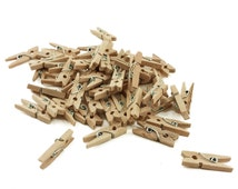 """1"""" Natural Unfinished Wood Mini Clothespin Clothes Pins Rustic Photo Garland Clips Wood Pegs Gift Tag Wrap Wedding Reception Favors DIY"""