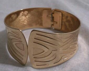 Sarah Coventry Gold Tone Lady's Bangle Bracelet