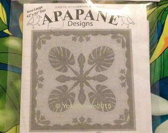 "Hawaiian quilt pattern ""Monstera & Plumeria"" 42 inch x 42 inch"