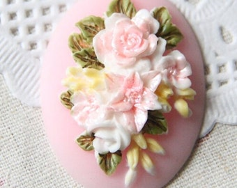 4 pcs of hand painted resin flower cabochon with hand painted color -light pink