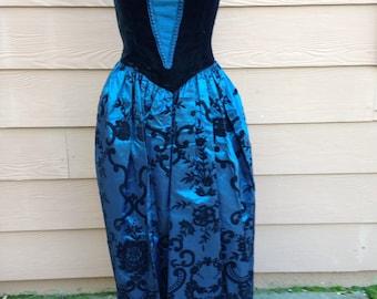 Scott McClintock's saloon style dress