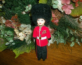 "Scot's Guard Figurine London Palace Foot Guard  7"" Vintage Collectible Sleepy Eyed Soldier Doll"