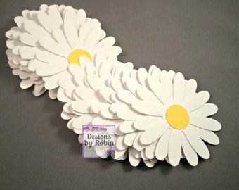 20  Daisy Confetti Table Scatter Flowers - Flower Confetti - White and Yellow Daisy Scatter