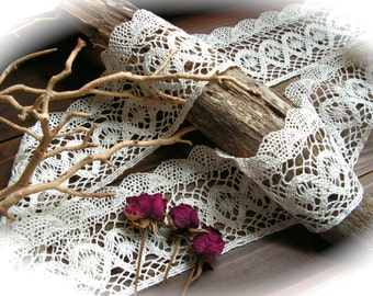Crocheted Lace  Vintage Cotton Ivory   Lace / Antique Lace Vintage Lace Trim Cotton Lace - 2 yards.