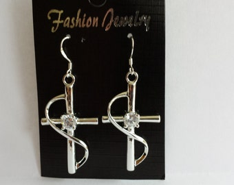 Dangle fashion earings