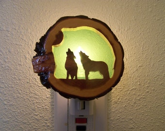 Howling wolves nightlight
