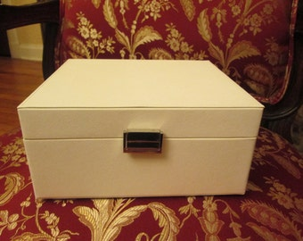 Jewelry box, jewelry storage, tabletop jewelry box, jewelry organizer, jewelry holder, jewelry chest