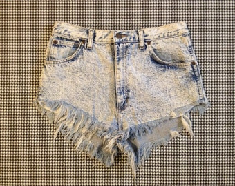 1980's, high waist, acid wash, denim, cut-off shorts, Women size 31 waist