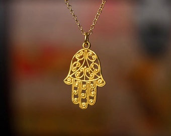Gold Hand Amulet Necklace Fatima Hand Pendant Hamsa Necklace Hamsa Necklace Dainty Necklace Layer necklace Everyday jewelry