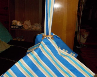 Pie and Cake carrier.  Blue and cream stripe stripes with blue lining