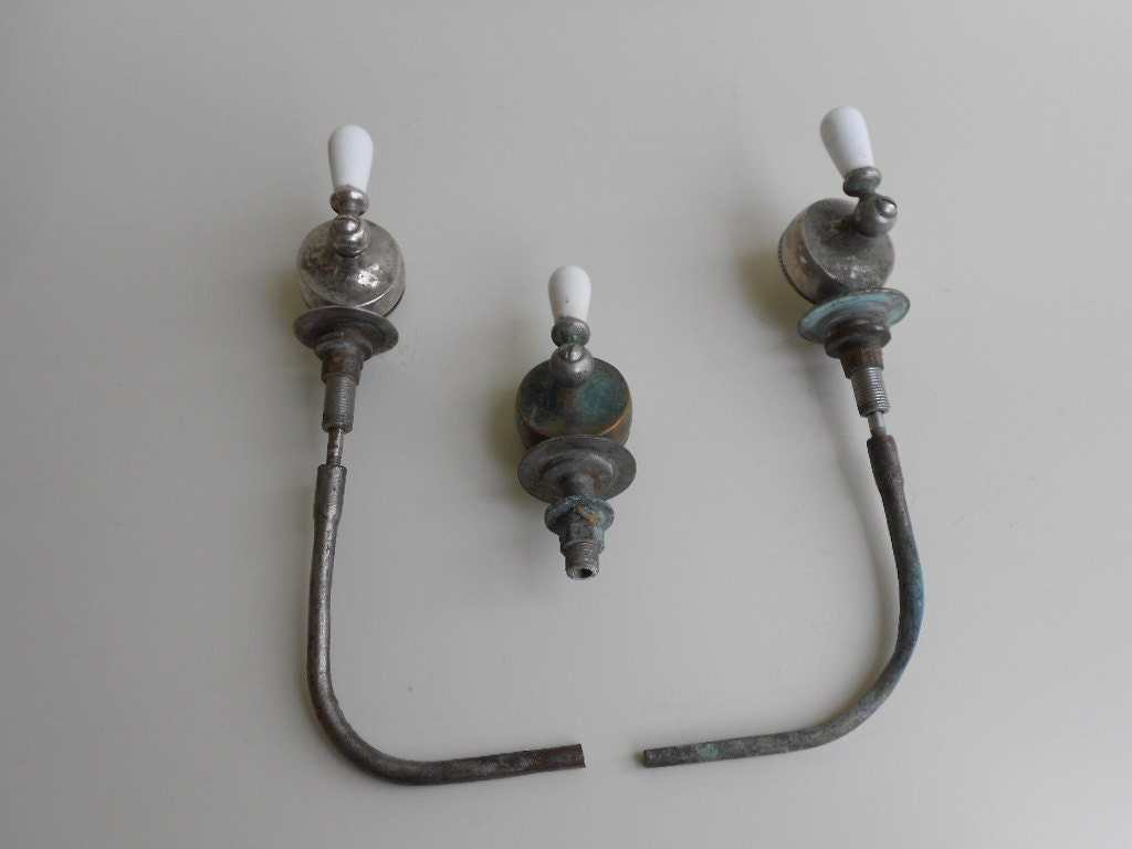 Antique Clawfoot Tub Faucet Overflow Drain Controls Porcelain