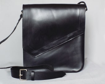 Mens leather bag. Messenger leather bag. Mens bag. Gift for him. Mens messenger bag.