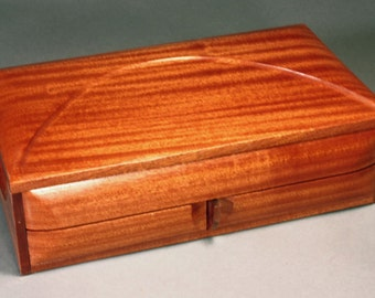 "Jewelry box - "" COUNTESS""  - in ribbon stripe Sapele"