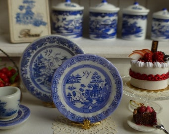 Blue Willow Dollhouse Miniature Plate