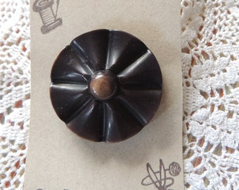 """Interesting vintage button.  This floral shaped large button,is 1 3/4"""". Deep Brown color."""