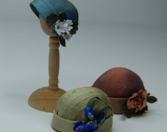 1920s miniature silk cloche hat with flowers