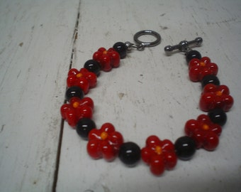 Red Flower Glass Beaded Bracelet with Toggle Clasp