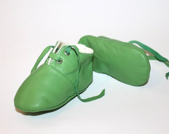18-24 months  Slippers / Baby Shoes Lamb Leather Green