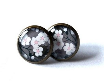 CHERRY BLOSSOM EARRINGS - sakura stud earrings - flowers post earrings - spring earrings - girlfriend gift - jewelry - teens gift - groovy
