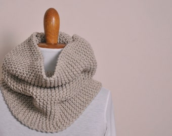 Knitted cowl scarf - Color beige