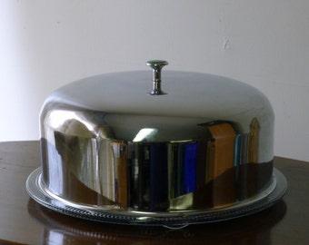 Chrome dome cake saver with glass base