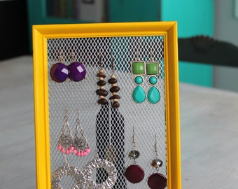 Picture Frame with Mesh Wire Earring Hanger