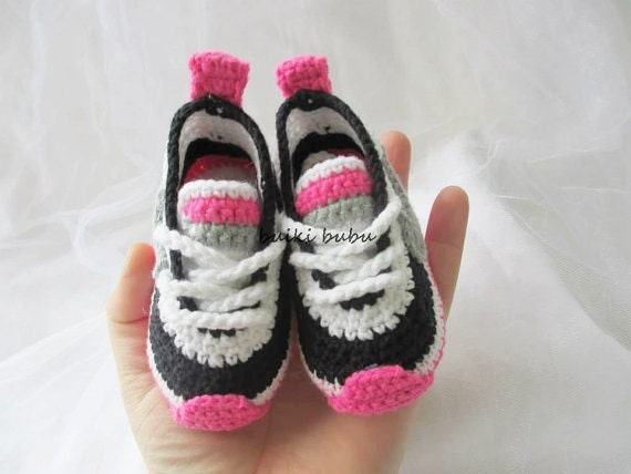 Crochet Baby Booties Nike Pattern : Crochet baby sneakers baby booties crochet sneakers