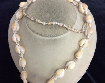 Vintage Long Sea Shell Necklace