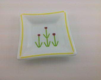 White & Red Heart Flower Fused Glass Dish With Yellow Border