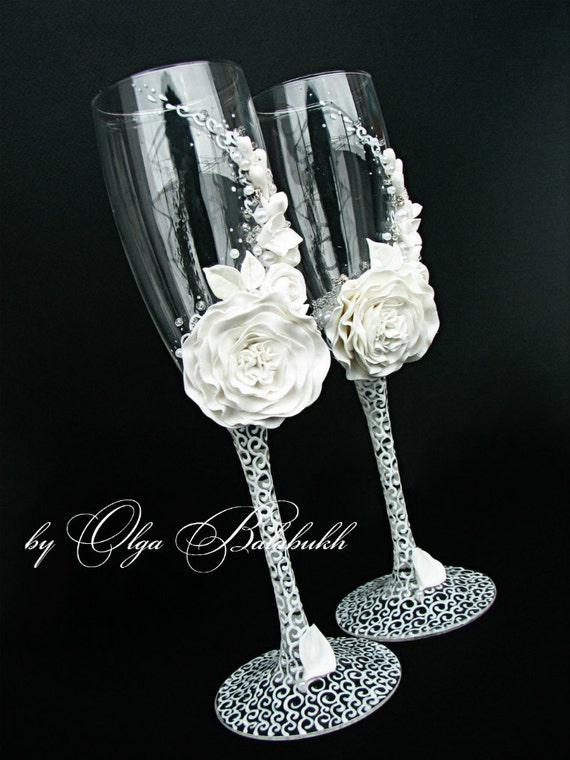 Diy Cake Server Set With Wine Glasses