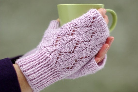 Lace fingerless mittens knitting pattern, women mitts ...
