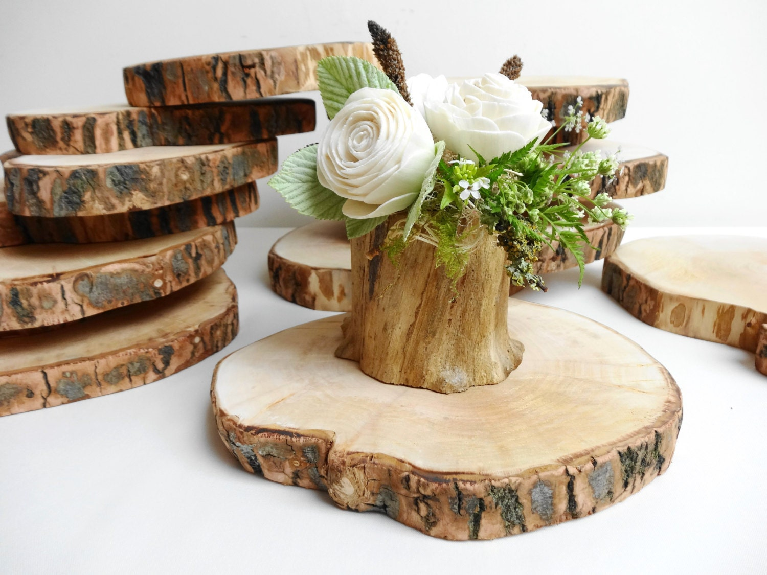 Wedding wood slices centerpieces