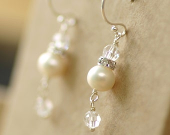 Crystal and pearl earrings, pearl earrings wedding, pearl bridal earrings, pearl earrings dangle - Claudia