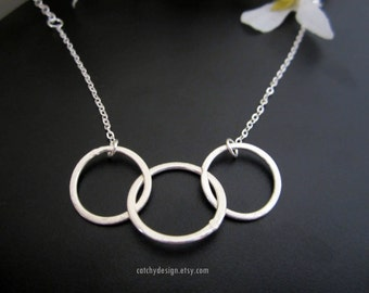 Three encircle Necklace,Family,3 best friends,Jewelry,hollow circles,geometry design,3 sisters,mother daughters necklace,Mothers day gift