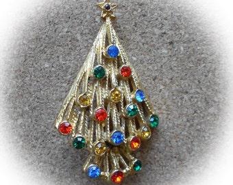 H32: Vintage Christmas Tree