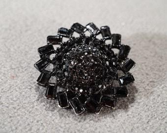 Vintage Art Deco Style Jet Black Rhinestone Black Enameled Pin Brooch Jewelry  K